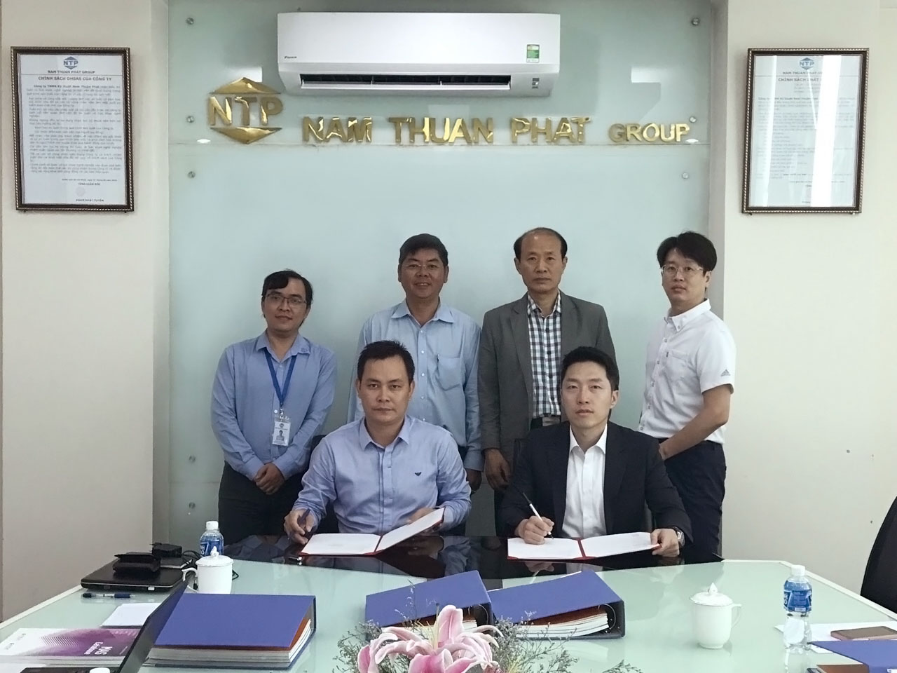 Signing ceremony with BYCNT Limited Company from Korea